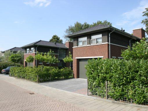 Drie vrijstaande woningen Aardbeidreef te Heerjansdam